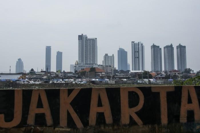 Reklamasi, Kota Skala Manusia, dan Tiang Listrik yang Aman