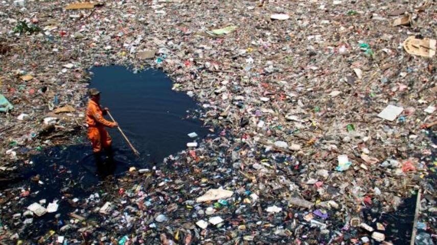 Tumpukan Sampah di Teluk Jakarta Berasal dari Laut Jawa